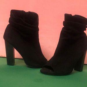 Shoes - Black open toe heel booties